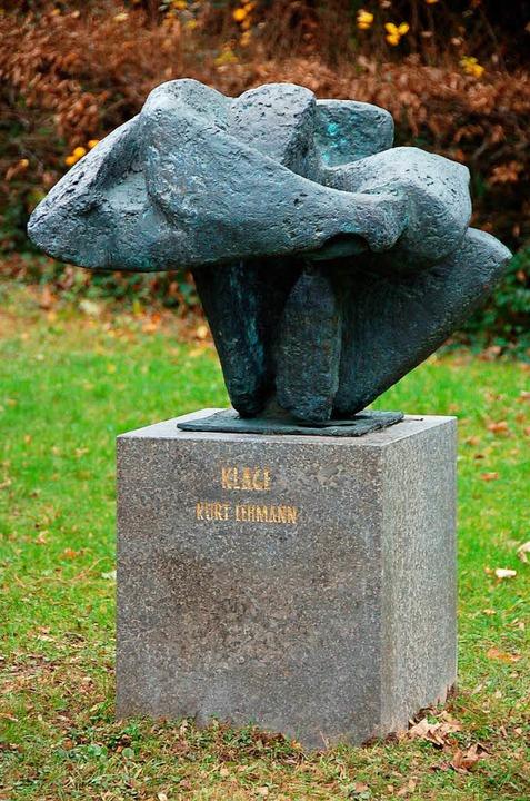 Lehmanns Skulptur Klage auf dem Staufener Friedhof  | Foto: Markus Donner