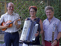 Angajo spielen jiddische Lieder