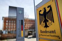 Flüchtlingsamt Bamf soll in Bremen illegal 1200 Asylbescheide ausgestellt haben