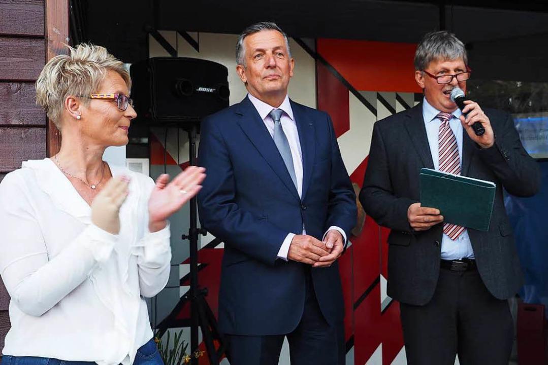 Eugen Winterhalder ((rechts), Vorsitze...einer Partnerin Gudrun Jensen (links).  | Foto: Susanne Gilg
