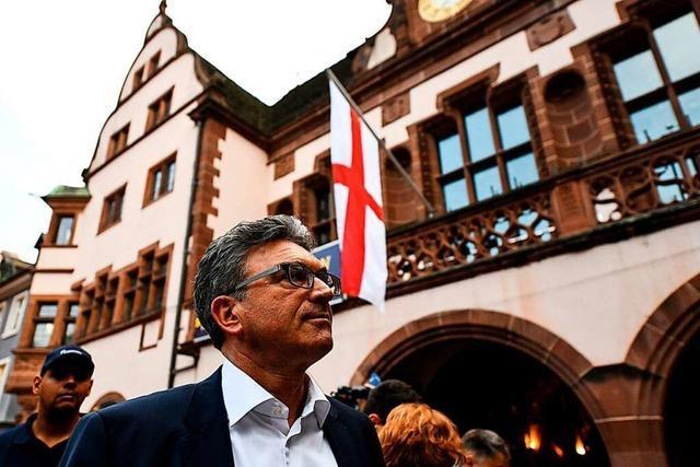 Video: So reagierten Freiburgs OB- Kandidaten auf die Wahl-Sensation
