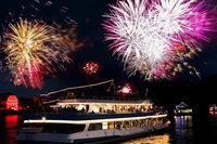 """Lassen Sie sich bei einer zweitägigen Rheinromantikreise von """"Rhein in Flammen"""" an Bord eines Schiffes verzaubern!"""
