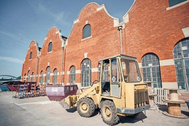 Fotos: Baustellenbesuch im neuen Kreativpark in der Lokhalle am Güterbahnhof