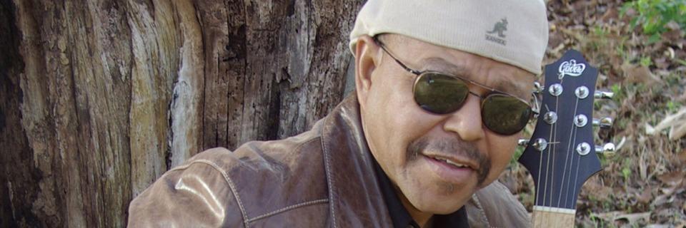 Der US-amerikanische Blues-Musiker Larry Garner tritt in der ChaBah auf