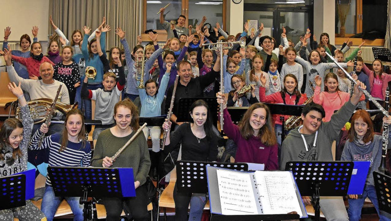Jugendorchester und Bläserklasse des M...rundschulen Schutterwald und Langhurst  | Foto: Christine STorck