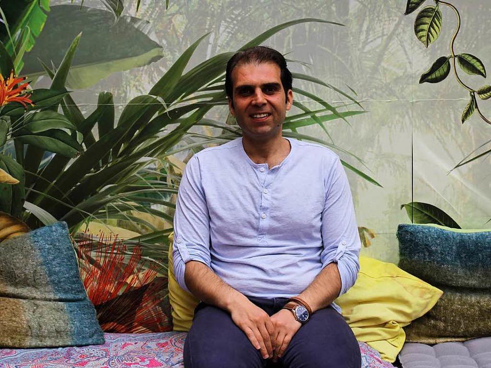 Omar Alhwani möchte zusammen mit seine...rischen Imbiss Bab Scharquie eröffnen.  | Foto: Gina Kutkat