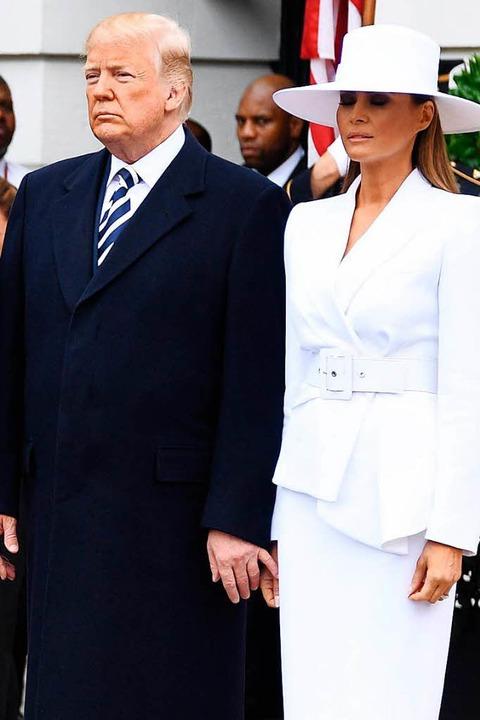 Bei Donald und Melania Trump schaut da...en unwesentlich weniger liebevoll aus.  | Foto: AFP