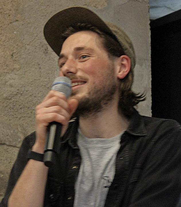 Nachwuchsregisseur Simon Schneckenburger beantwortete Fragen.   | Foto: Krieger