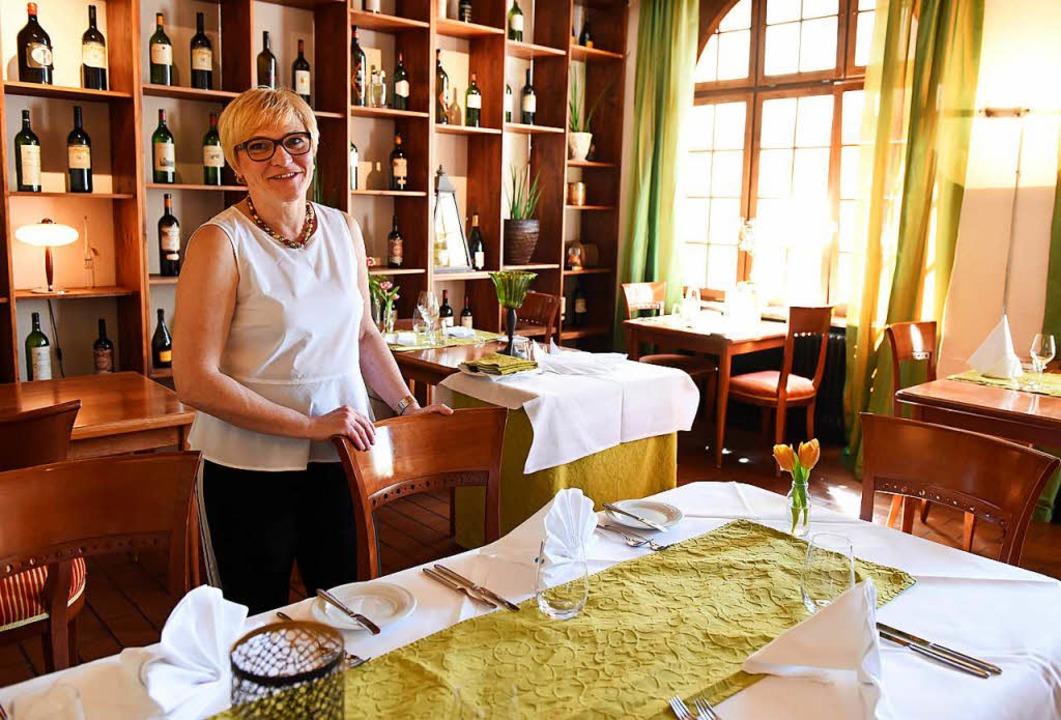Karola Isele in der Gaststube der Eichhalde   | Foto: Rita Eggstein