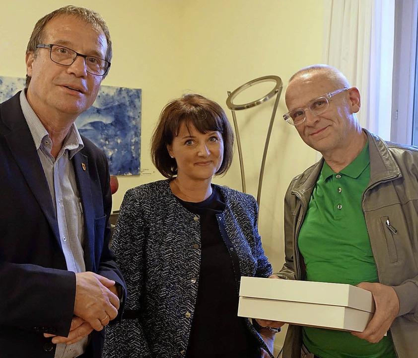 OB Klaus Eberhardt und Nicole Aellig-K..., der  im Arbeitskreis Kunst aufhört.   | Foto: Roswitha Frey