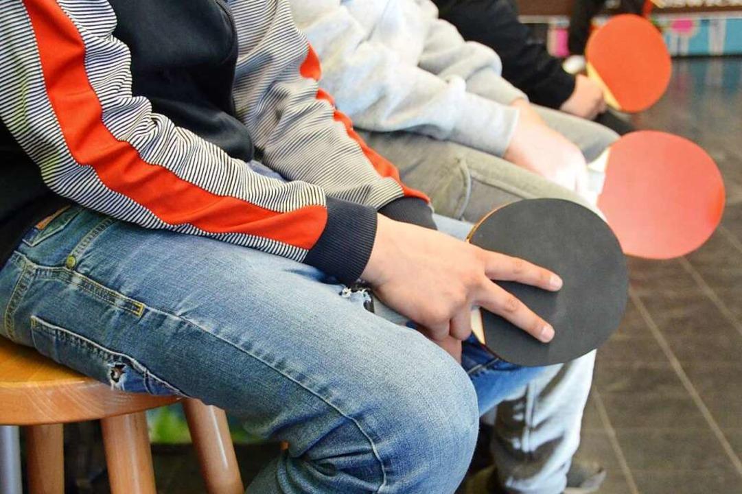 Jugendliche beim Tischtennistraining im Rieselfelder Jugendtreff    Foto: Sarah Beha