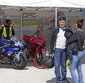 Gleich drei Profi-Biker zu Gast