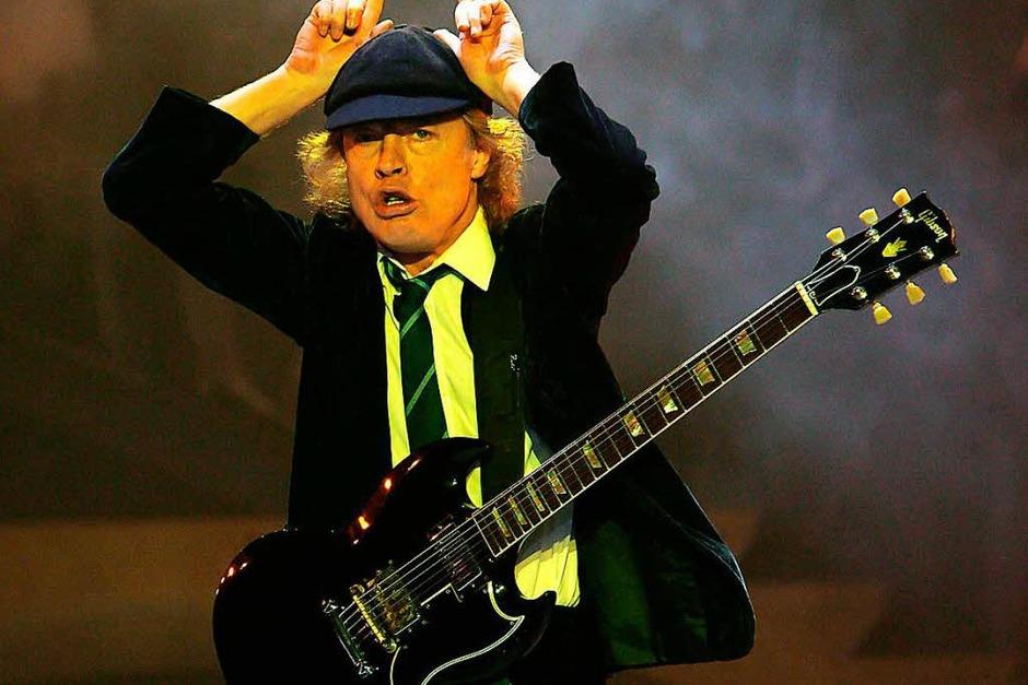Seine ersten Töne soll Angus Young, Gitarrist bei ACDC,  auf einer Gibson  gespielt haben – und schwört bis heute darauf. (Foto: AFP)