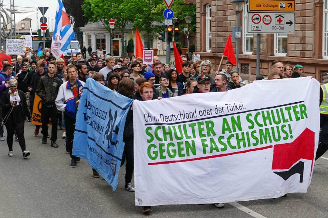 Gegendemo des Bündnisses Austehen gegen Rassismus Offenburg    Foto: Ralf burgmaier