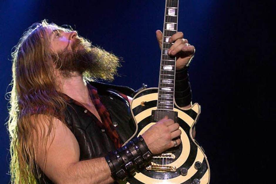Der Metalgitarrist Zakk Wylde mit einer Gibson im für ihn typischen Design. (Foto: Claus_Felix)