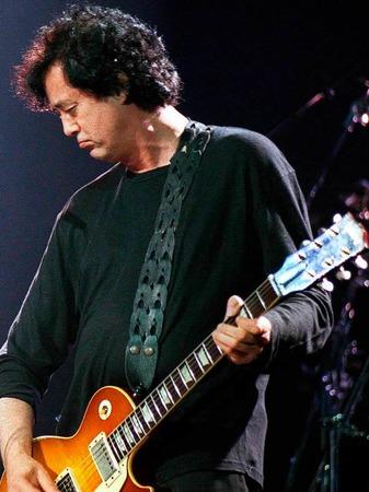 Jimmy Page, Gründer von Led Zeppelin, soll im Lauf seiner Karriere 1500 Gitarren besessen haben. Wie bei vielen anderen  galt seine Vorliebe dabei dem Gibson-Modell Les Paul.