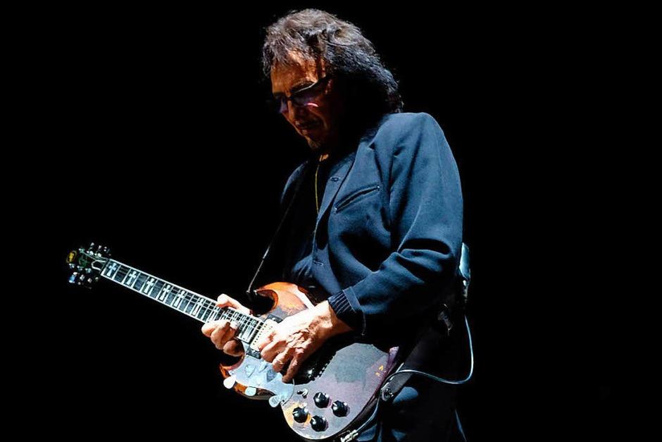 Toni Iommi von Black Sabbath mit der für ihn typischen SG (Foto: Frazer Harrison)