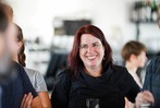 Fotos: Monika Stein feiert ihr Wahlergebnis im Café Hermann