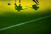 Doppelter Nasenbeinbruch nach Kopfnuss während des Fußballspiels