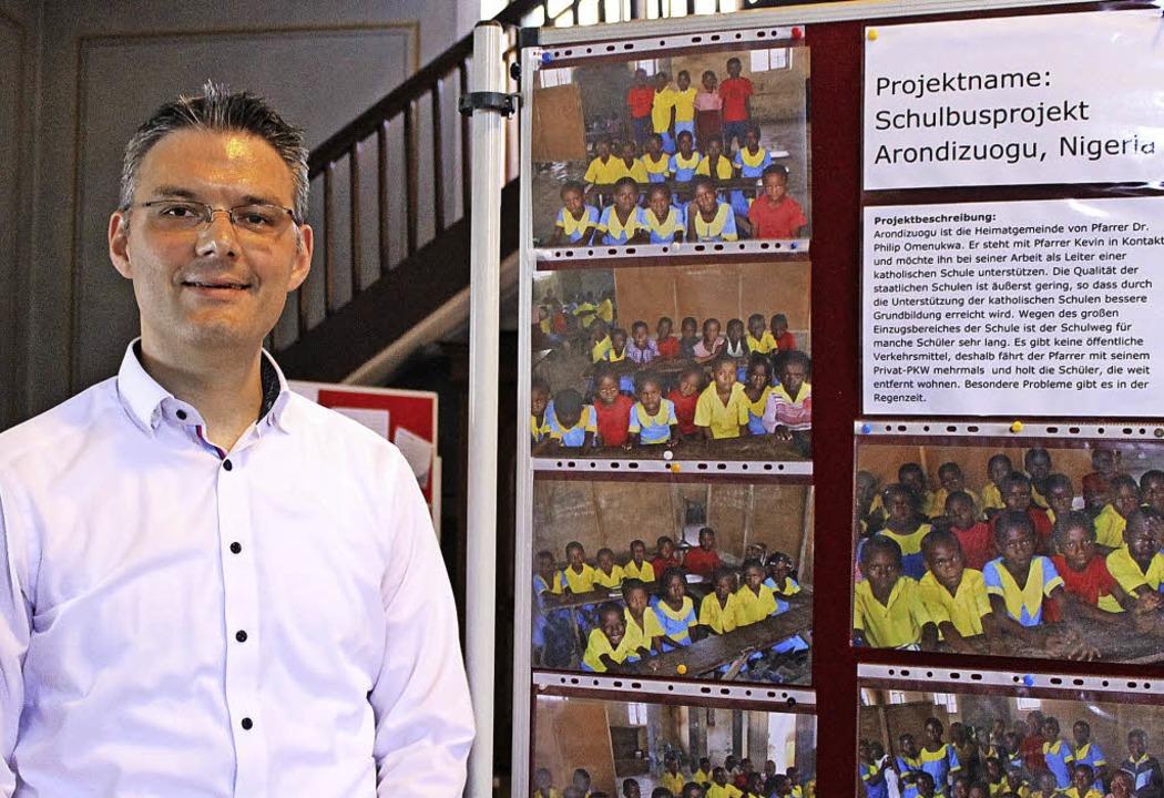Organist Stephan Kreutz spendete den E... sehen sind die  Schüler in  Nigeria.   | Foto: Michelle Güntert
