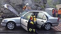 Feuer stoppt Auto
