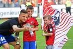 Fotos: So feiern SC Freiburg und Fans den Klassenerhalt