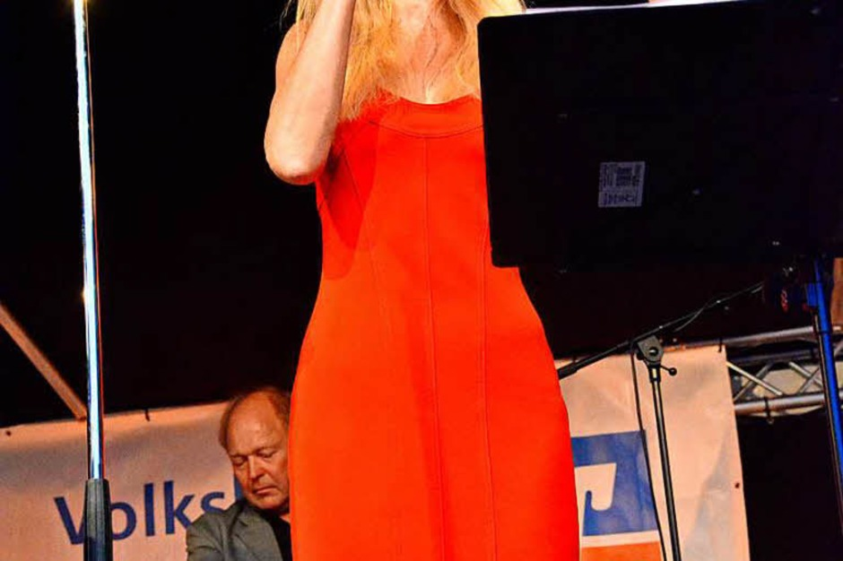 Allotria Jazzband mit Sängerin Nina Michelle (Foto: Barbara Ruda)