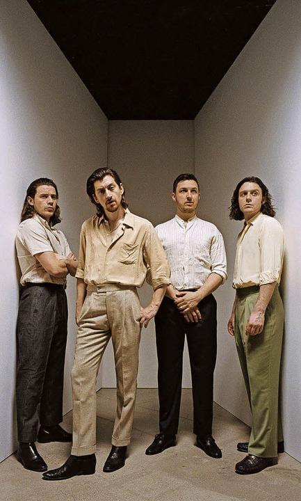 Die Arctic Monkeys um Alex Turner (Zweiter von links)  | Foto: Zackery Michael