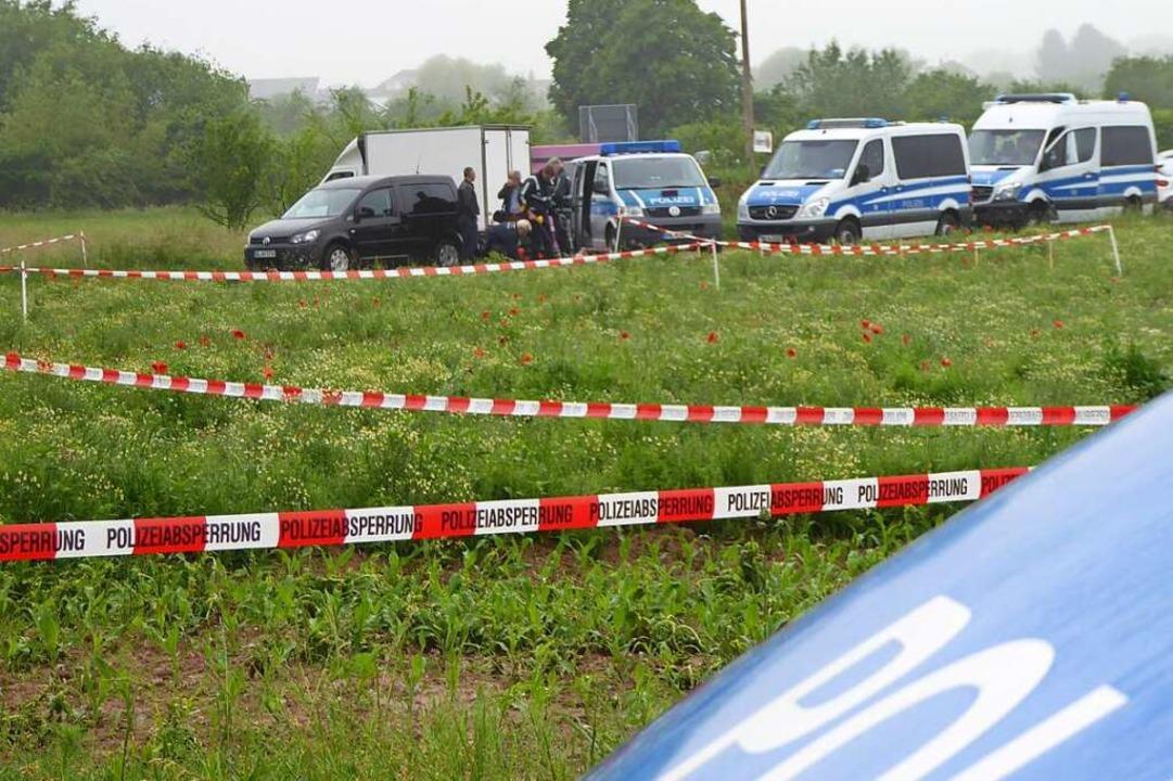 Der Bereich um den Tatort, in dem  nac... diesen Dienstag nochmals ausgeweitet.  | Foto: Helmut Seller