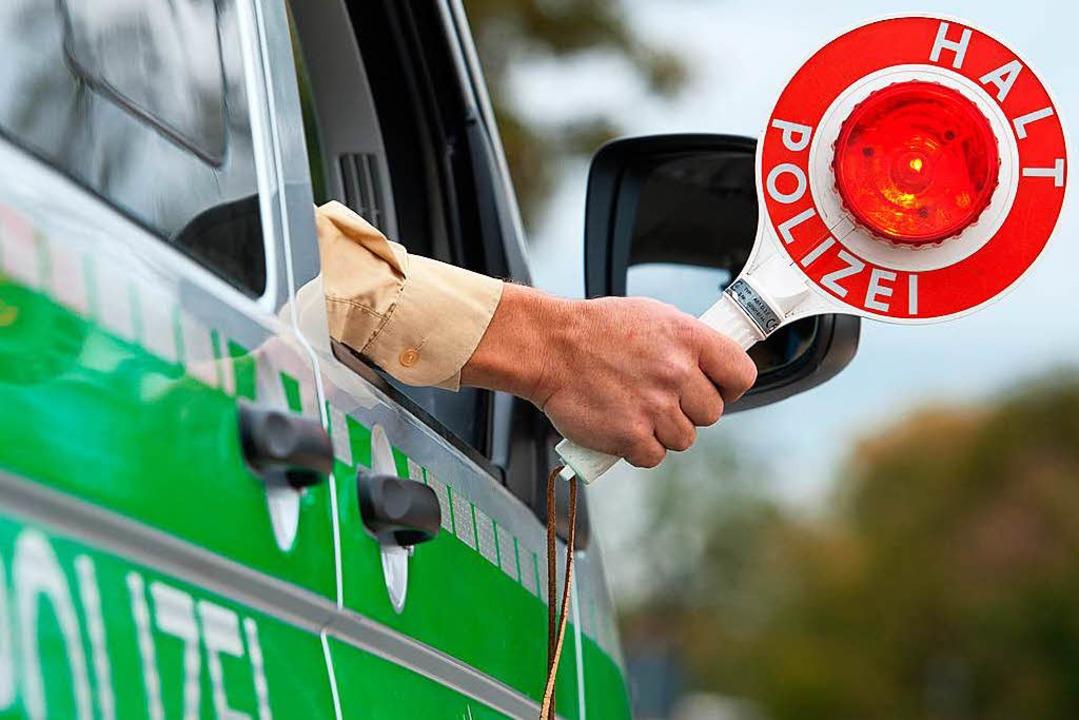 Wenn die Polizei winkt, sollte man unb...uro Strafe und ein Punkt in Flensburg.    Foto: dpa-tmn
