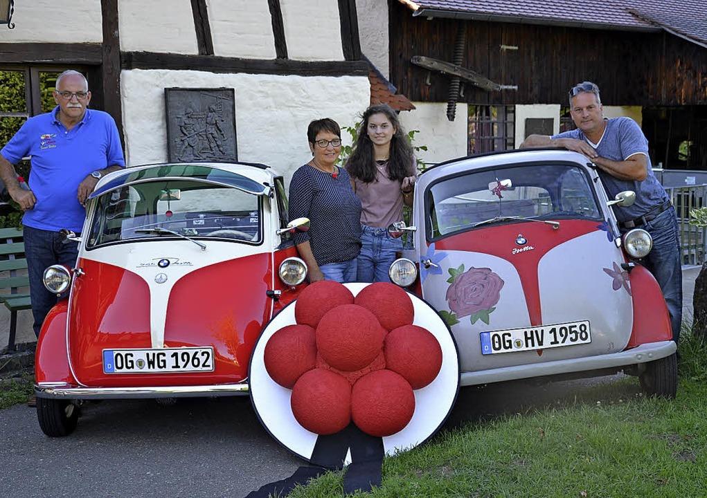 Walter Gyssler (links) und Volker Adam...yssler hat dafür Bollenhüte gefertigt.  | Foto: Privat