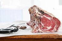 Männer aufgepasst und genießen: ein Abend der Extraklasse mit Dry Aged Beef und London Dry Gin