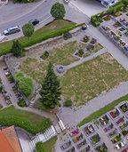 Ruhebereich auf dem Friedhof lädt zum Verweilen ein