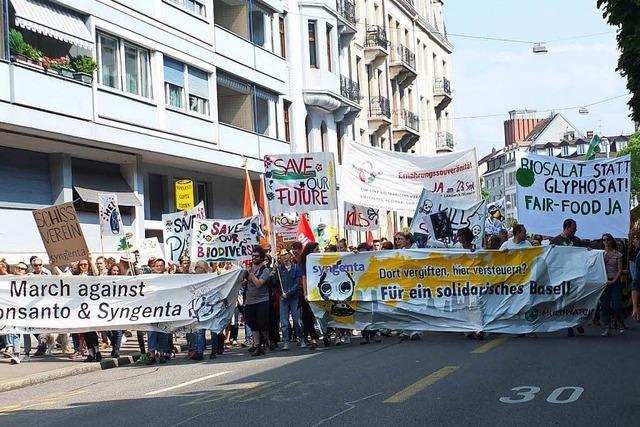 Fotos: Protestmarsch gegen Monsanto und Syngenta in Basel