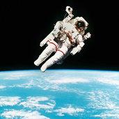 Duschen Astronauten im Weltall? Und wenn ja, wie?