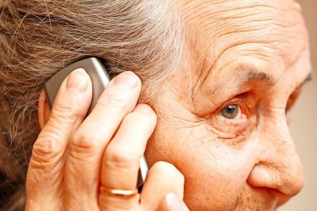 Hier spricht die Polizei? Falsche Kommissare betrügen Rentner