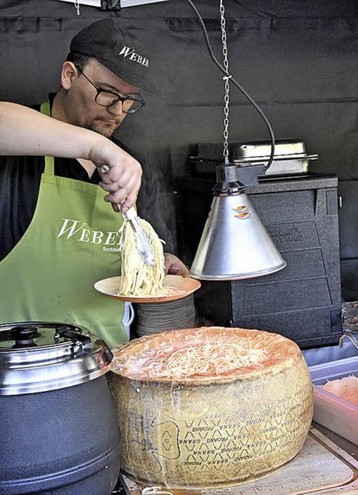 Schwerarbeit für das Küchenteam  | Foto: Markus Zimmermann