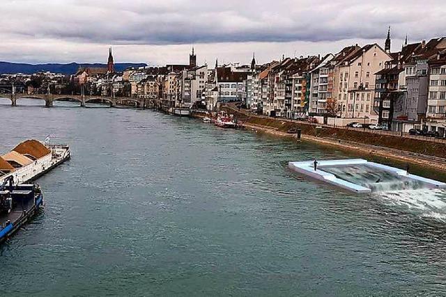 Große Surferwelle auf dem Rhein bei Basel geplant