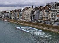 Eine Welle für Surfer auf dem Rhein