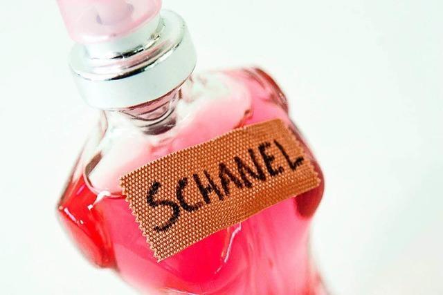 Gefälschte Parfüms aus dem Urlaub: Preis ist kein echter Hinweis mehr