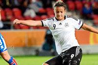 SC-Frauen verpflichten Lena Lotzen vom FC Bayern München