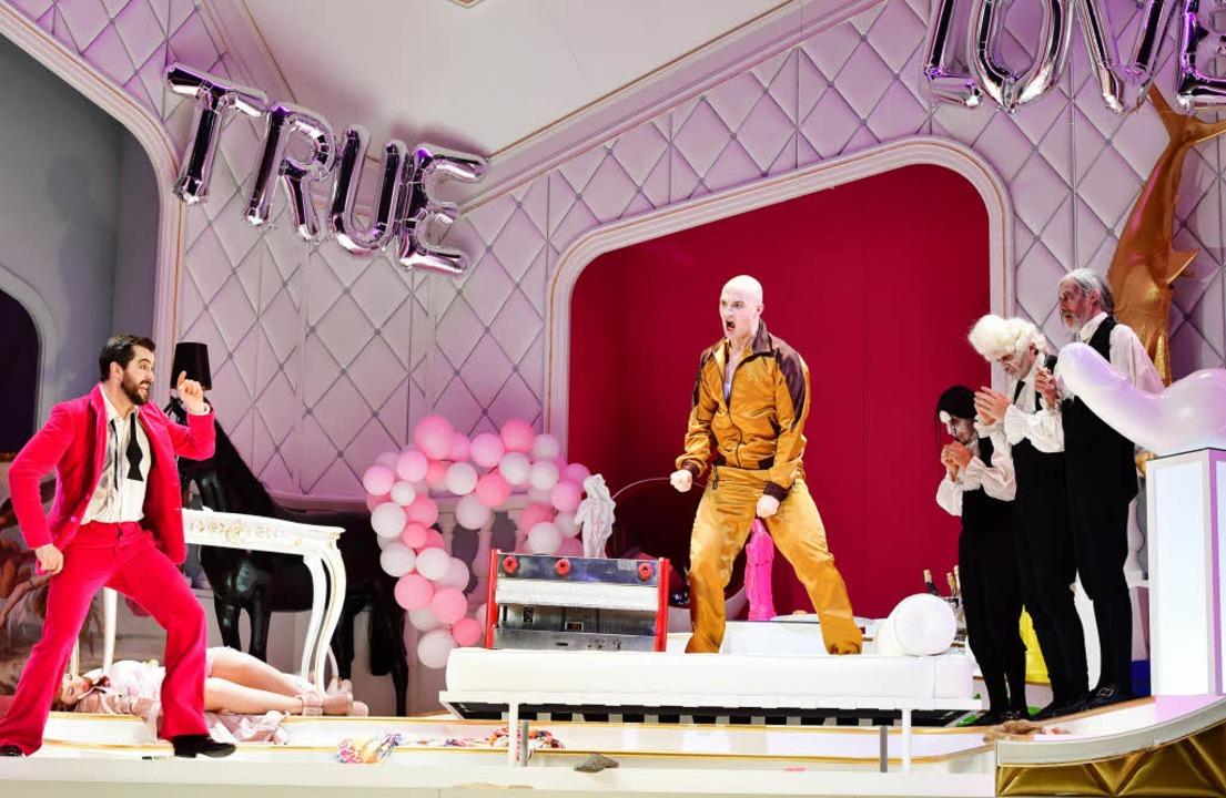 Das Lebensende im Irrenhaus - Theater - Badische Zeitung