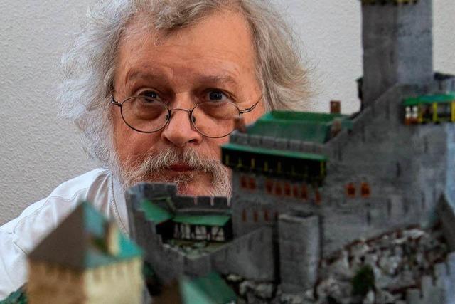 Sasbacher baut Burgen aus Hartschaum und altem Kork
