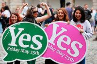 Iren stimmen deutlich für Lockerung des Abtreibungsverbots
