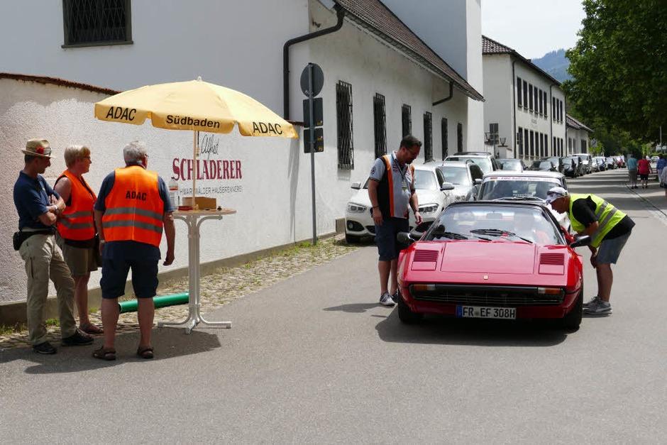 Als erster in Staufen: Ferrari 308 GTS von 1979 (Foto: Hans-Peter Müller)