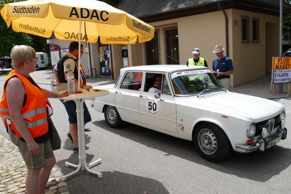 Der Alfa Romeo Giulia kam kurz darauf an (Foto: Hans-Peter Müller)