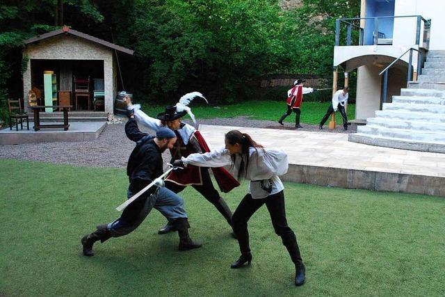 Drei Musketiere fechten's aus