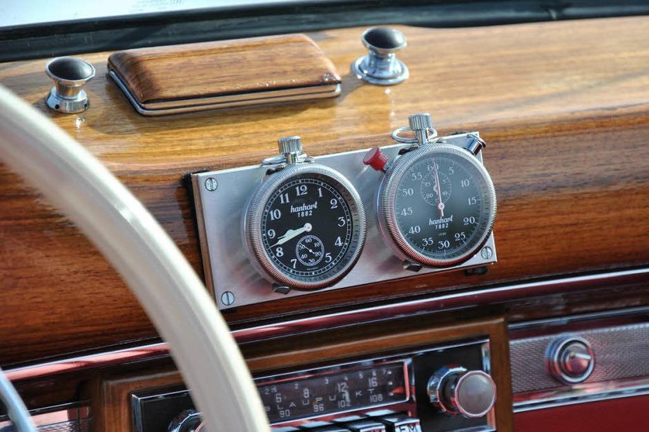 Echte Knöpfchen und Rädchen statt Elektronik-Schnickschnack und Touch-Screen:  Innenraum eines Mercedes  Cabrio von 1957. (Foto: Ralph Fautz)