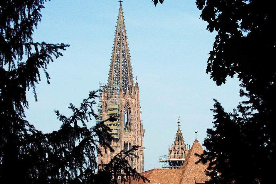 Lang ist's her. 2002 sah der Münsterturm noch so aus. (Foto: Ingo Schneider)