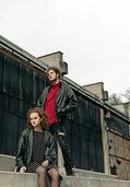 Singer-Songwriter-Geschwister-Duo Tomsis aus Wehr spielt open-air in Schopfheim
